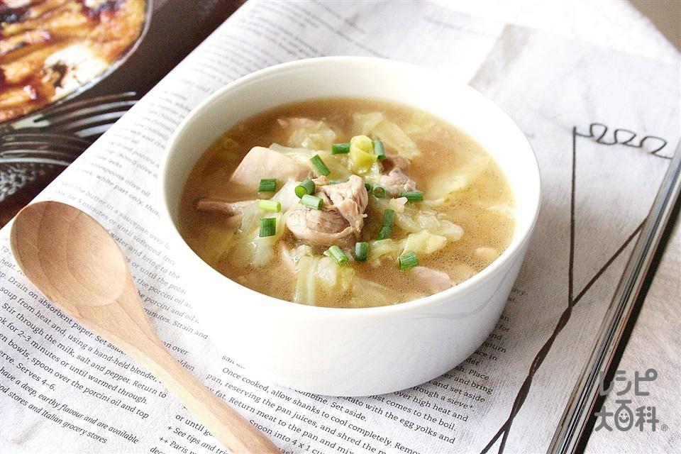鶏肉とキャベツの生姜スープ